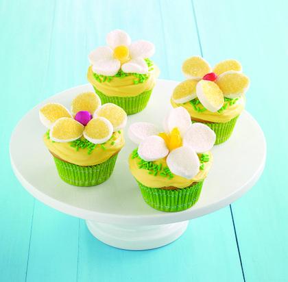 Easy Lemon Daisy Cupcakes
