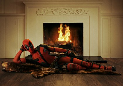 First Official photo of Ryan Reynolds as Deadpool