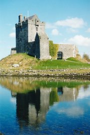 Tour is a five-day tour that takes in counties Cork and Kerry, with time on the Dingle Peninsula and visits to Bantry House and Gardens, Killarney National Park and Blarney Castle.