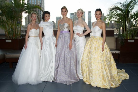 Last Saturday's weather was absolutely perfect for a rooftop bridal fashion show! Malan Breton presented his spring-summer 2016 collection for ...