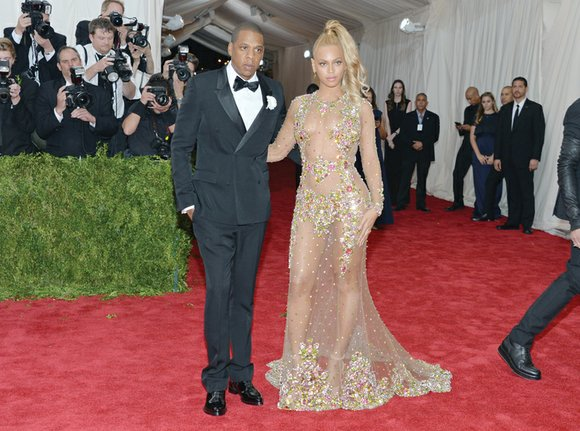 Power couple Jay Z and Beyoncé have privately donated tens of thousands of dollars to help bail out of jail ...