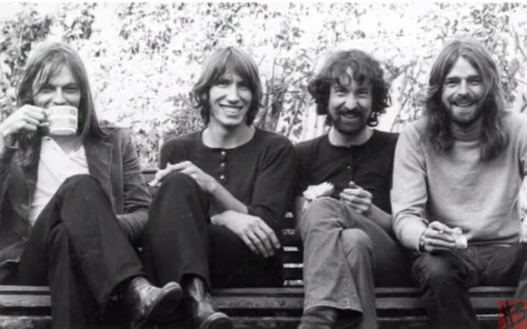 The Music of Pink Floyd aims to bridge the gap between rock and classical music