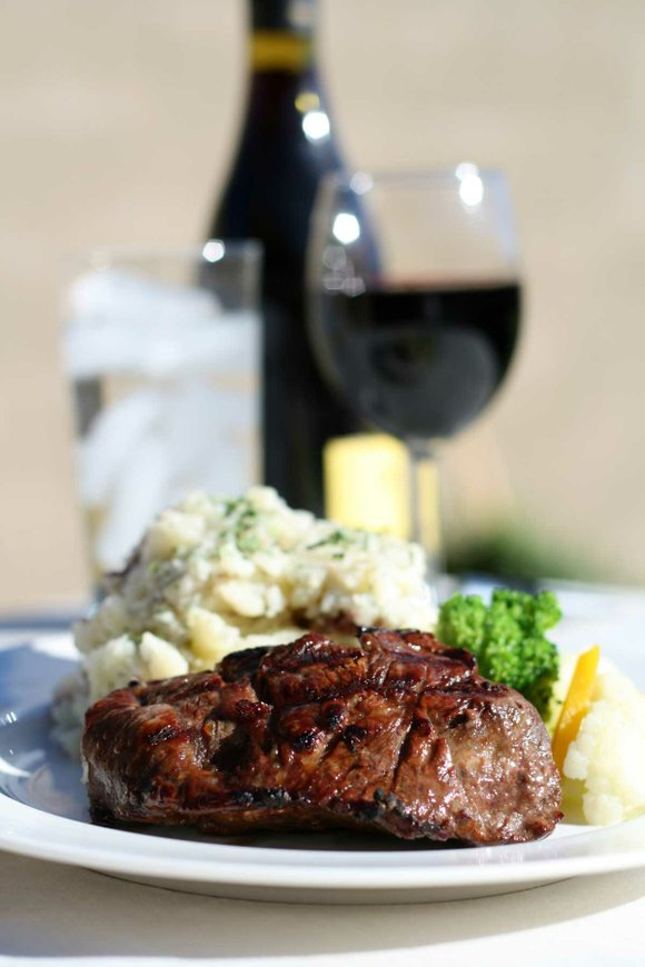 Make every grilled meal special with the perfect food and wine pairing