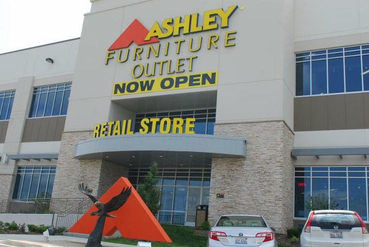ashleys furniture outlet furniture opens outlet in romeoville the 442