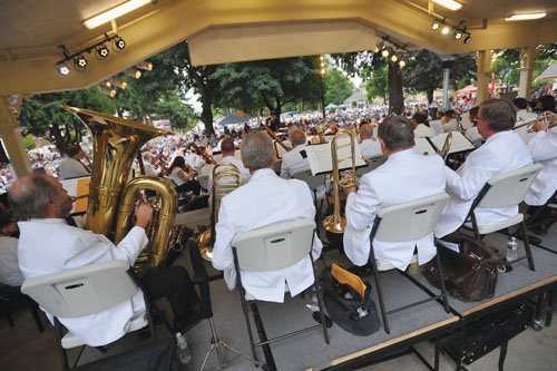 The Vancouver Symphony kicks off its new season by returning to the famed band shell at Esther Short Park in ...