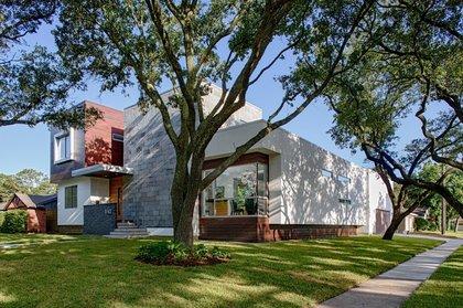 B - Houston, TX  Architect: Merge Architects, Inc., Keith Messick Photography: Taggart Cojan Sorensen