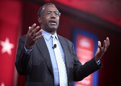 Republican presidential candidate Ben Carson took an hour out of his campaign Friday afternoon to speak about his upbringing, gun ...