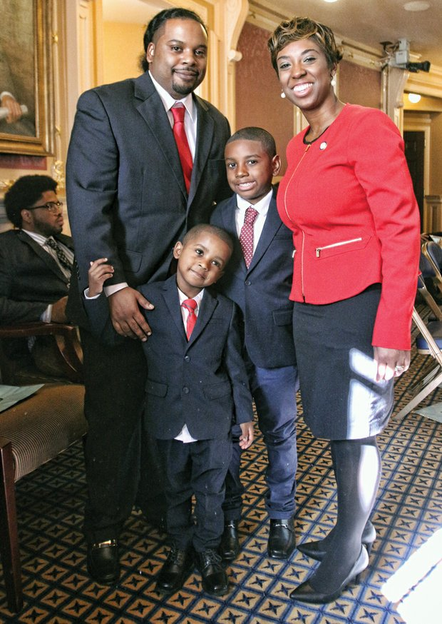 Lady of the House //