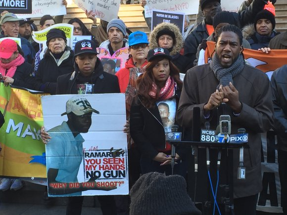 Activists urge Mayor de Blasio to stand up against wrongdoing, four years after NYPD officers shot and killed Ramarley Graham.
