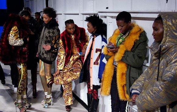 As soon as Xuly Bet's Paris collection appeared on the Pret-a-Porter runway at the Louvre in 1999, the audience went ...