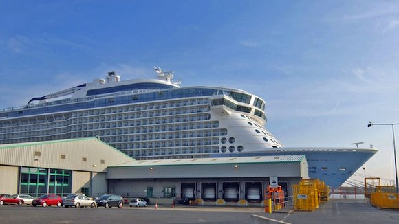 A severe storm forecast has prompted Royal Caribbean's Anthem of the Seas to cut another voyage short.