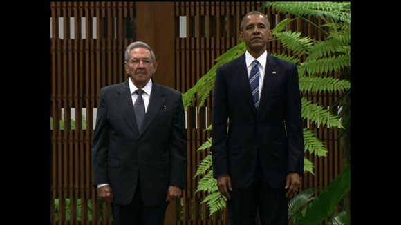 A day after making a historic arrival in Cuba, President Barack Obama met Monday with the leader of the authoritarian ...