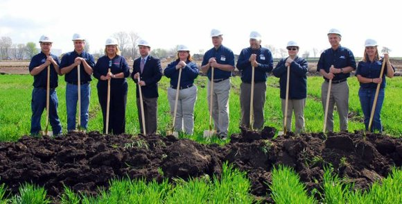 Once completed, the new 122,000 store on Weber Road is expected to create 100 new jobs.