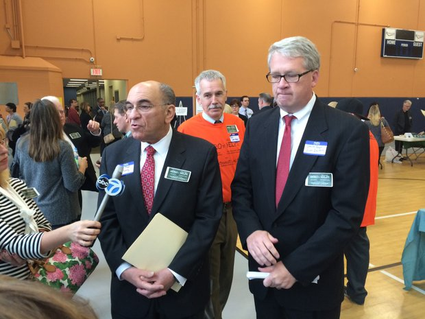 Illinois State House Represenatives Lou Lang and Jim Durkin at the Hero-Helps Soutwest Coaltion Community Summit in Romeoville last week.