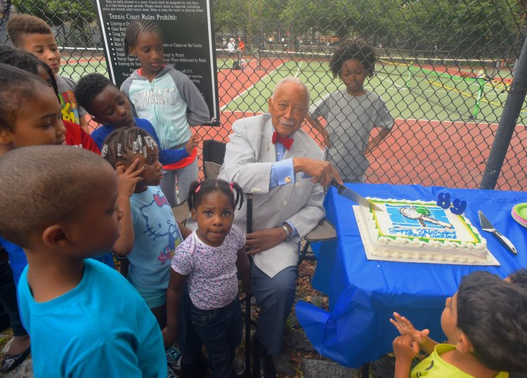 david dinkins tennis club continues to serve new york amsterdam news the new black view david dinkins tennis club continues to