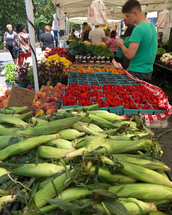 If you haven't been all up in one of our Harlem farmers markets, shame on you! And as the saying ...