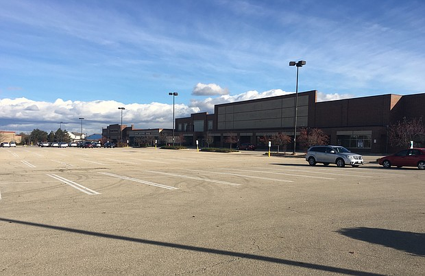 Empty property in Romeoville once occupied by Dominick's which went out of business almost two years ago.