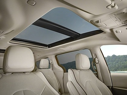 luxury seats in 2017 Chrysler Pacifica