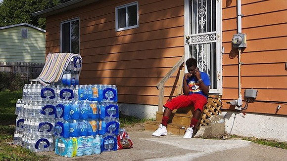 The levels of lead in Flint, Michigan's water tested below the federal limit in a recent six-month study, the state ...