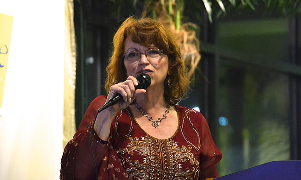 Jackie Traynere speaks at benefit for her campaign on March 24 in front of a group of a couple hundred Muslims from Bolingbrook and the surrounding areas.