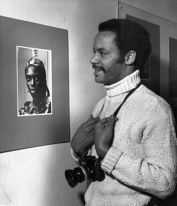 Photojournalist Robert A. Sengstacke was born with ink in his blood in a family where a newspaper was its stock-in-trade, ...