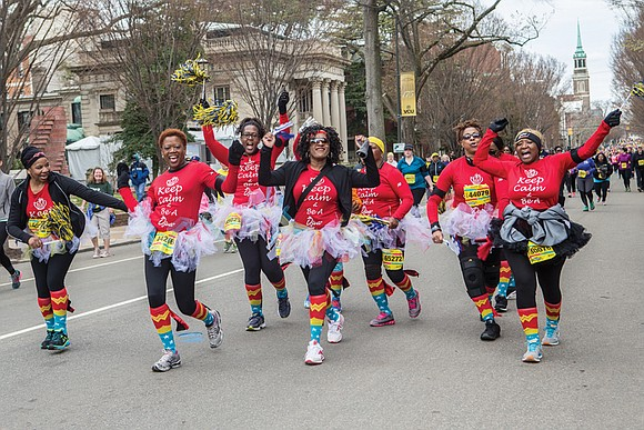 The annual Monument Avenue 10K, famous for its live bands and party atmosphere, has become a race for the swift ...