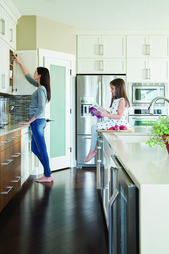 While you're making this year's spring cleaning chore list, remember that a true deep clean means decluttering your kitchen from ...