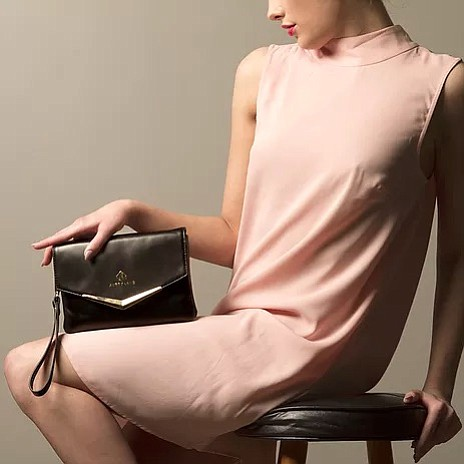 Aubry Lane Handbags not only want to be stylish, they want to be the best being technologically savvy for all.
