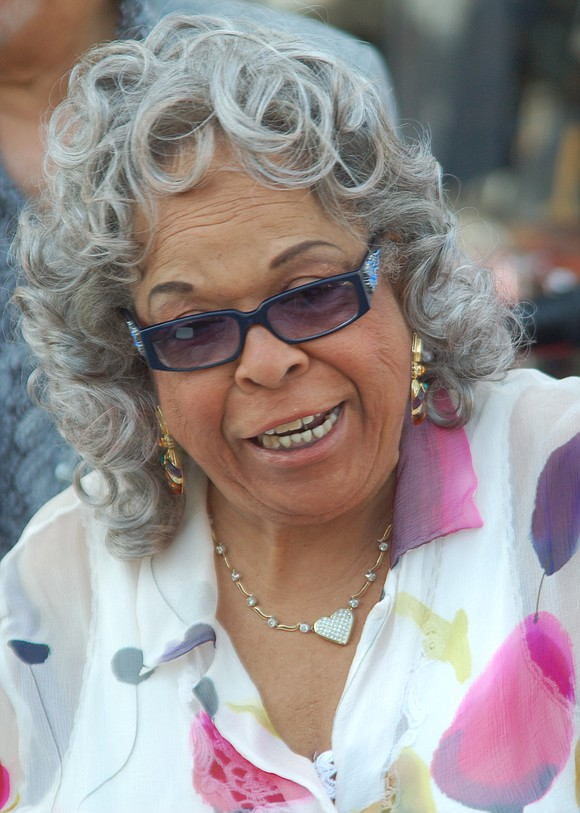 """Della Reese's voice rose to an operatic crescendo on """"Don't You Know,"""" a recording that earned her national recognition in ..."""
