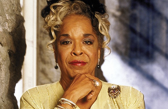 Actress and singer Della Reese, best known for her role as Tess, the wise angel in the long-running television drama ...