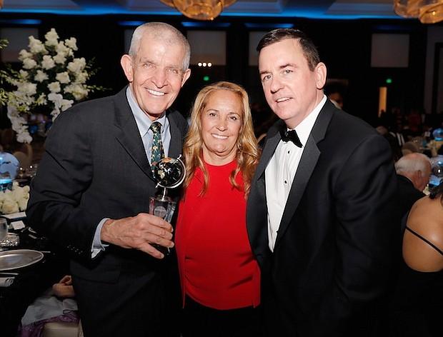 Jim McIngvale, Linda McIngvale and Barron Segar