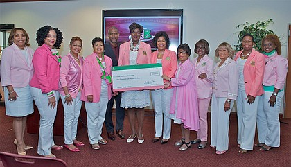 Alpha Kappa Alpha Sorority, Inc. International President Dorothy Buckhanan Wilson and other members presents $10,000 donation to Texas Southern University President Dr. Austin Lane/photo TSU