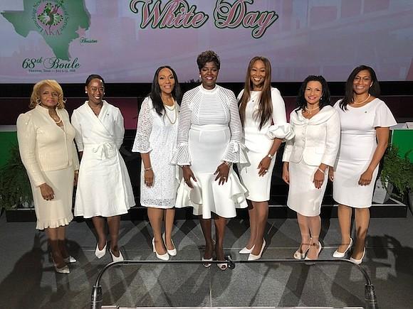 Alpha Kappa Alpha Sorority, Incorporated (AKA) has inducted singer Yolanda Adams, diplomat Teta V. Banks, astronaut Jeanette J. Epps, activist ...