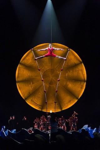 Matt Beard / Costumes: Giovanna Buzzi / 2016 Cirque du Soleil