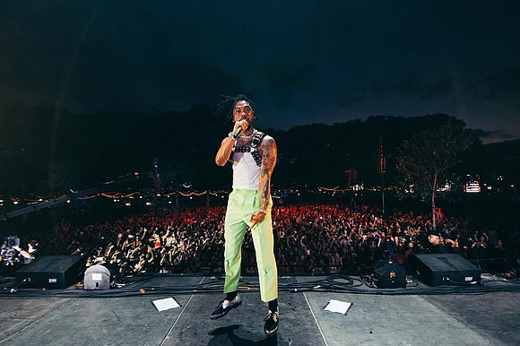 As a follow up with the fans for his fourth studio album, War & Leisure, Miguel made a stop in ...