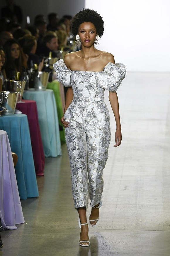 When it comes to Hollywood glamour, the designers who create it best are Badgley Mischka.