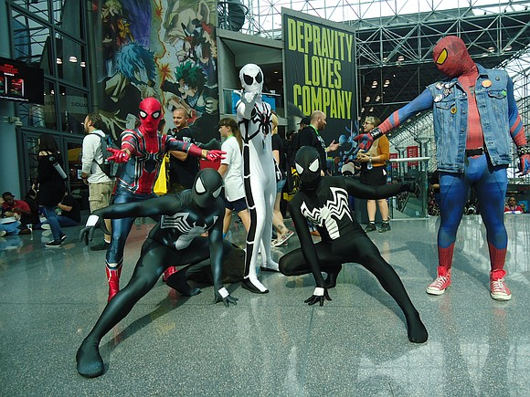 Oh my God, all the costumes, crowds, excitement! God I love New York Comic Con!