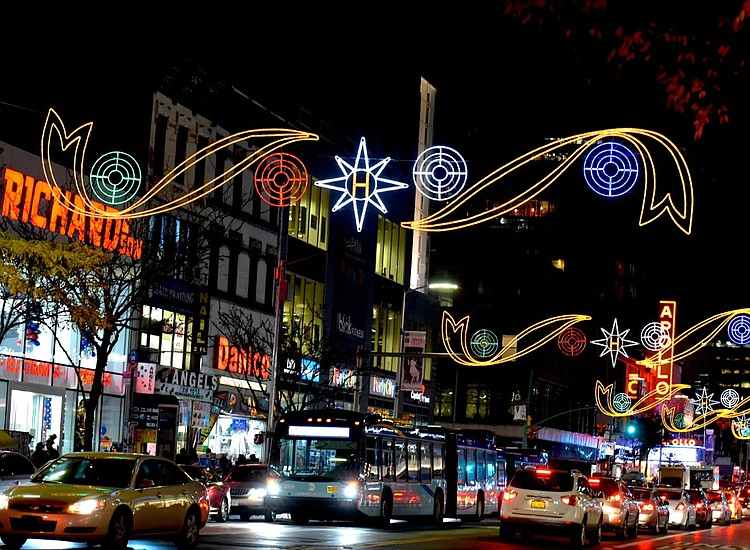 Officials flip the switch on Harlem Holiday Lights on Nov. 20   New York  Amsterdam News: The new Black view