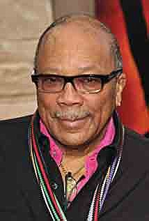 Composer and film/music producer Quincy Jones this week sank his hands and feet..