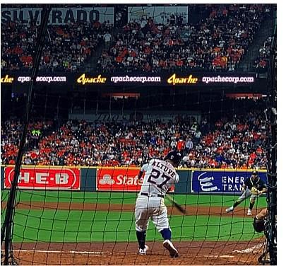 Jose Altuve shows off his homerun power