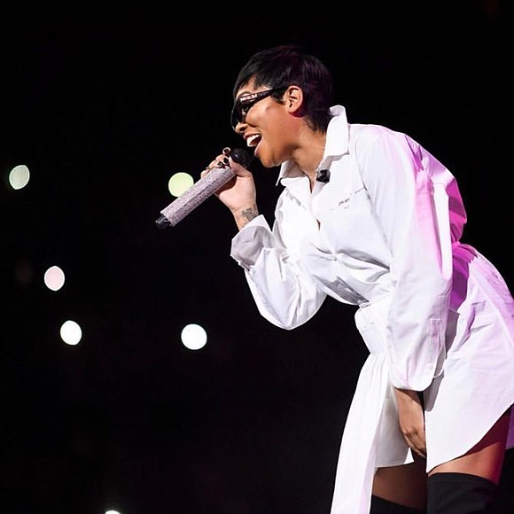 Jam-packed was the Mother's Day R&B concert at the Barclays Center on Friday, May 10.