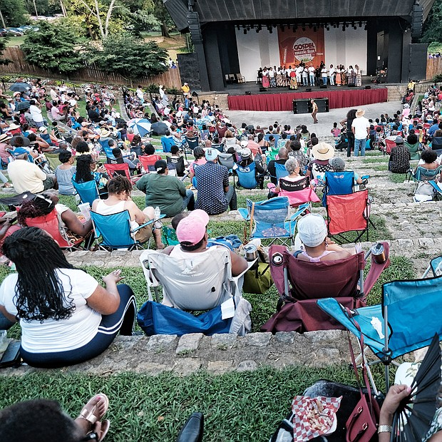 People attending the 10th Annual Gospel Music Festival on Sunday at Dogwood Dell. The free event was hosted by Sheilah Belle and Praise 104.7 FM as part of the City of Richmond's Festival of Arts. (Sandra Sellars/Richmond Free Press)