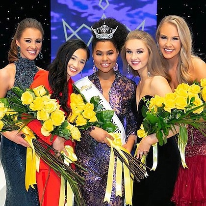 Miss Texas 2019 Chandler Foreman and the runner ups/photo by BluDoor Studios