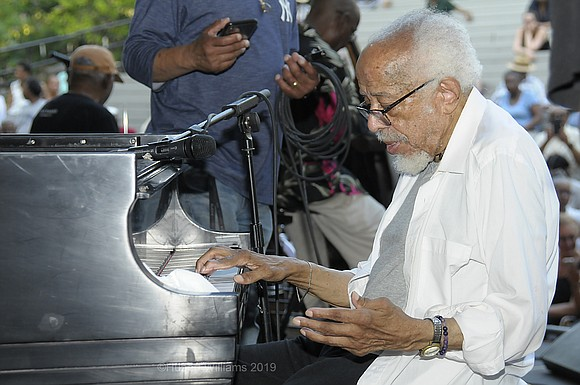 "When the venerable pianist and composer Barry Harris spreads out a carpet of chords, signaling the tune ""Billie's Bounce,"" his ..."