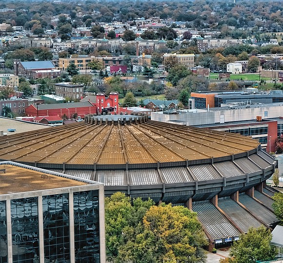 Richmond residents were lining up Wednesday to speak their minds on Mayor Levar M. Stoney's $1.5 billion Coliseum replacement and ...