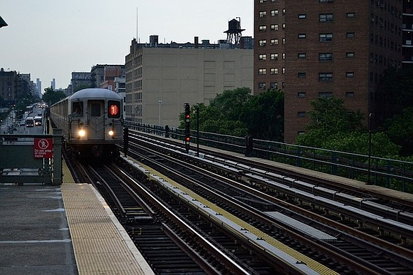 A new report from New York City Comptroller Scott Stringer shows that off-peak subway service has dropped despite a ridership ...