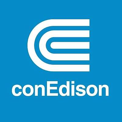 Subcontracted workers took to the Con Edison building in Manhattan to protest for better jobs and better wages.