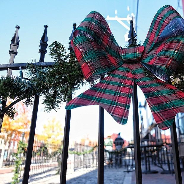 Holiday adornment in Shockoe Bottom