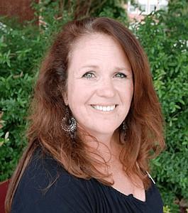 Lisa Lindsay-Mondoro. We Share the Dream Award