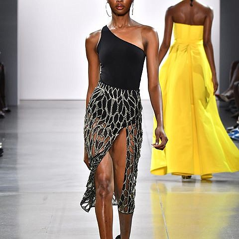 Whether it's one shoulder styles, strapless looks or V-neck fashions, the brand Aliette showed amazing shapes at their first NYFW ...